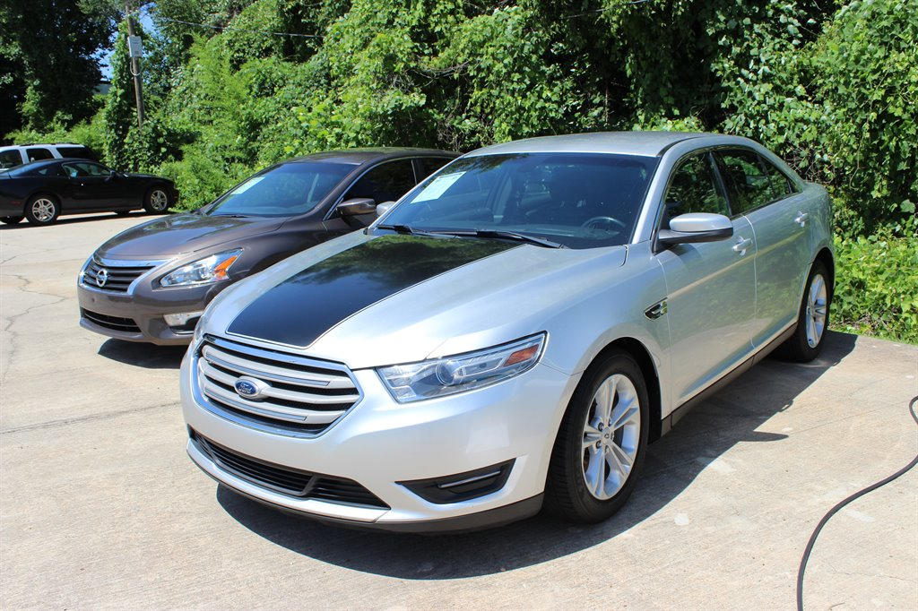 2013 Ford Taurus 2621 Green Light Motors Used Cars For Sale